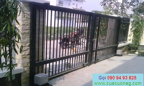 mẫu cổng và hàng rào xếp trượt 2 bên tự động