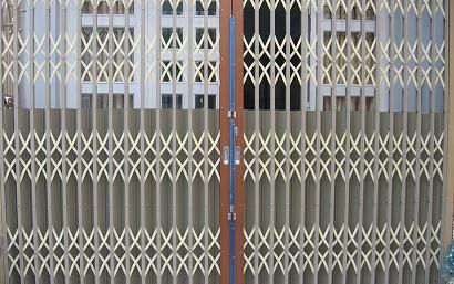 cửa xếp sắt