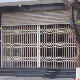 Cửa kéo Đài Loan không lá giá rẻ 300.000 đ/m2