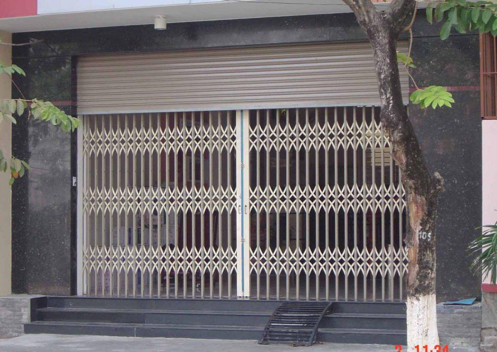 An toàn hơn với cửa cuốn và cửa kéo dùng chung