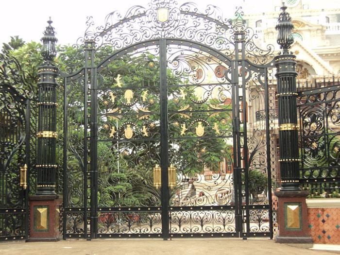 mẫu cổng sắt và hàng rào hoa văn cắt CNC đẹp