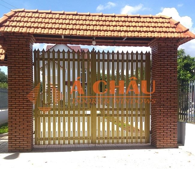 mẫu cổng và hàng rào sắt hộp đơn giản