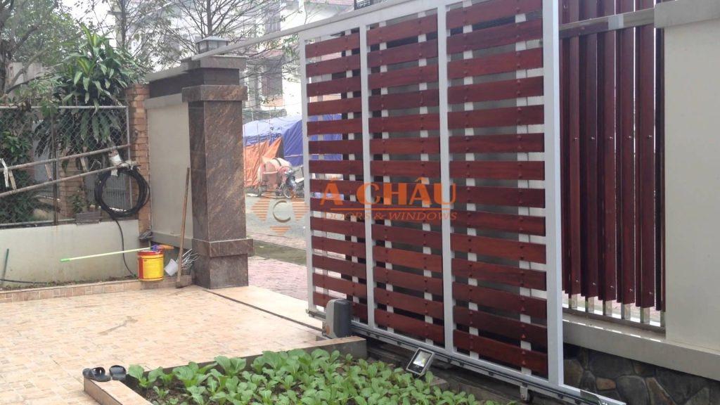 mẫu cổng và hàng rào xếp trượt bằng motor hiện đại