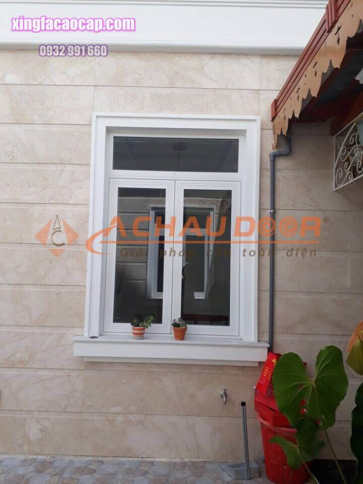 Cửa sổ mở quay 2 cánh nhôm Xingfa nhập khẩu giá rẻ