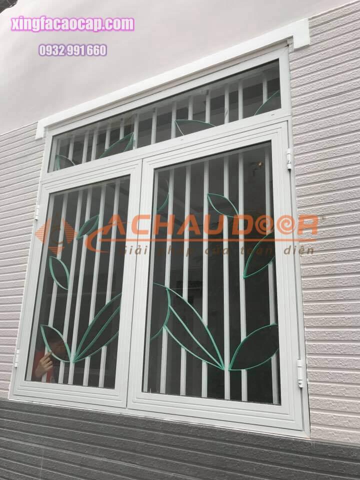 Cửa sổ mở quay 2 cánh nhôm Xingfa tphcm